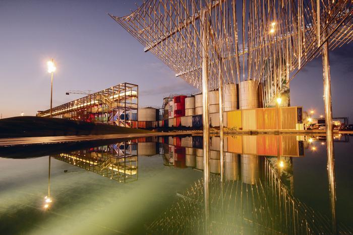 Rosa Barba maastikuauhinna võitis seekord Aucklandi põhjapoolse kai promenaad ehk kohaloo oskuslik kasutamine ning läbimõeldud kasutusstrateegia.  Autorid on Taylor Cullity Lethleani maastikuarhitektid koostöös Waterfront Aucklandiga.