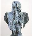 """Peapreemia pälvis Hollandit esindanud sakslanna Anne Wenzel, kelle loodud monumentaalsed (180 cm kõrged) büstid """"Kahjustatud kaubad"""" esindasid väga head käsitööd, suurepärast materjalitundmist, aga ka ühiskonnakriitilist hoiakut."""