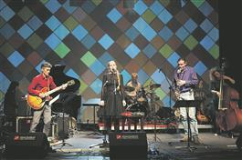 Heliotroop pakkus festivali suurima elamuse: nii kompositsioonid, tekstid kui esitus oli perfektne.