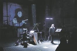 """Kadri-Ann Sumera ja Iris Oja tõid  kuulajaini tsükli """"Loomaring""""  vokaalversiooni."""