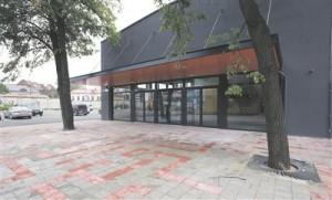 Tallinnas Telliskivi loomelinnakus tänavu sügisel uksed avanud etenduskunstide keskus Vaba Lava muudab Eesti teatripildi veelgi mahukamaks ja liigirikkamaks.