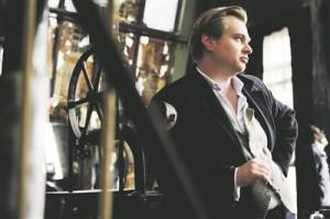"""Christopher Nolan filmi """"Lõppvaatus"""" (""""The Prestige"""", 2006) võtetel. Film räägib mustkunstist ja silmamoondamisest."""