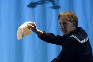 """Pääru Oja kandideerib meespeaosa auhinnale Willemi rolli eest Eesti Draamateatri lavastuses """"Vennas""""."""