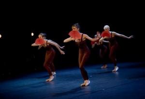 """Kõige kõrgemalt hinnatakse Tartus tantsulavastusi, millele anti kuuepunktisel skaalal keskmiseks hindeks 5,33 (kõige kõrgem keskmine lavastusel """"Casanova"""")."""