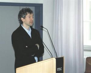 EMTAs loengu pidanud Gerd Bayer ehitab silda kahe pealtnäha erineva muusikakultuuri vahele.