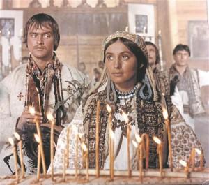 """Nõukogudeaegset dissidendist filmitegijat Sergei Paradžanovit tahavad enda omaks pidada nii ukrainlased,  grusiinid kui armeenlased. Kaader Paradžanovi ühest paremast, ukrainakeelsest filmist """"Unustatud esivanemate varjud""""."""