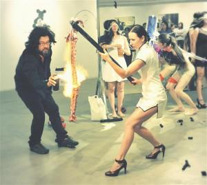 Non Grata performance Pekingi Yuani kunstimuuseumis.