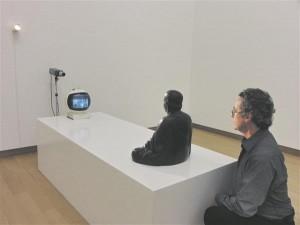 "Nam June Paiki tuntuim teos ""TV Buddha"" (1974) Amsterdami Stedelijki muuseumis."