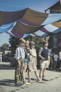 Neli noort näitlejat pakuvad Supilinna salaseltsi liikmetena oma vanematele kolleegidele väärikat konkurentsi. Filmi käis esimese nädalaga vaatamas üle 17 000 inimese.