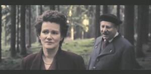 Heideggeri õpilaste seas oli märkimisväärselt palju juute, sh Hannah Arendt. Pildil Barbara Sukowa ja Klaus Pohl kehastamas Margarethe von Trotta filmis Arendtit ja Heiddegeri.
