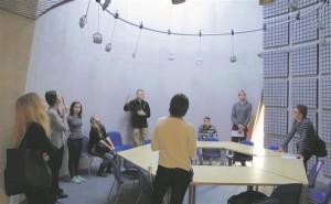 Eestis on arhitekte algusest peale õpetatud tehnikaõppeasutuses, see on Tallinna Tehnikumis, siis TTÜs ning alles seejärel kunstiakadeemias. TTÜ arhitektuuriõpe.  TTÜ arhitektuuri ja urbanistika osakond.