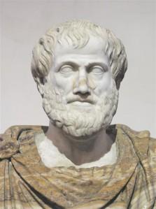 """""""Poliitika"""" alguses teeb Aristoteles selgeks, et riik on oma olemuselt paljusus,  mida hoiab koos vastasjõudude tasakaal."""