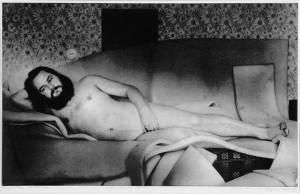 """Leonhard Lapini """"Autoportree Veenusena"""" on trükitud küll 1982. aastal, kuid Jüri Okase fotosessioon toimus juba 1980. aastal."""