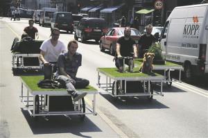 Mobiilne jalgrattaraamile ehitatud minipark Parkcycle Swarm, mis tekib ja kaob just seal, kus inimene soovib.