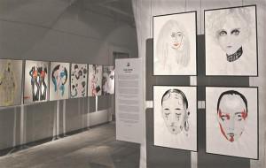 Vaade näituselt, esiplaanil Cecilia Carlstedti tööd.
