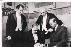 Olev Oja, Dmitri Šostakovitš, Gustav Ernesaks ja Veljo Tormis 1970. aastal Tallinnas.