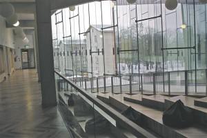 Minevikus oli Narva teistsugune ja tulevikus näeb ta samuti teisiti välja, sõltumata sellest, kas siia ehitati kolledž või mitte.  Need hruštšovkad siin ei ole igavased. Midagi juhtub alati.