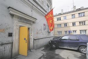 Kollane uks on Temnikova ja Kasela galerii tunnusmärk ükskõik, kas see asub siis Müürivahe või Lastekodu tänavas.