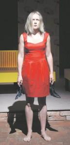 Eriti üllatas ja väärib esiletõstmist Anna kuju Inga Lunge esituses.