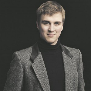 Juhan Randvere on aval ja lahtine muusikuisiksus, kes haarab kuulajad  kergesti oma maailma.