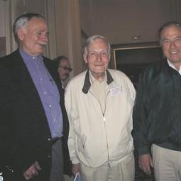 2005. a Chamonix's tahke faasi TMR konverentsil (Alpine conference on solid-state NMR), kus peeti ka Alex Pinesi ja ETLi vastavalt 60. ja 75. sünnipäeva. Vasakult: Massachusettsi tehnoloogiaülikooli keemilise füüsika professor John Stewart Waugh (1929 – 2014),  Endel Lippmaa ja Nobeli laureaat keemia alal (valkude TMR), Berkeley ülikooli ja  Zürichi föderaalse tehnikakõrgkooli professor Kurt Wüthrich (sünd 1938).