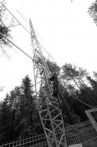 SMEAR-mast Järvseljal. SMEAR on seiresüsteem, mis mõõdab valdavalt metsades ökosüsteemi ja atmosfääri vastastikmõjusid, võrgustikul on neli tegutsevat jaama Soomes, üks värskelt avatud jaam Järvseljal ja avamise eel jaamad Hiinas Nankingis jm.