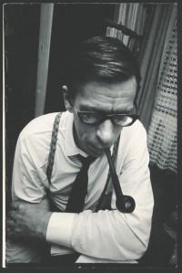 Edvin Hiedel (3.XII1930– 31.XII 2012)  oli ennekõike ungari kirjanduse esindaja Eestis, perfektne tõlkija ja hoolas toimetaja, kelle igavesed tänuvõlglased on  paljud tõlkijad. Tartu ülikooli ajaloo-keeleteaduskonna eesti filoloogina 1954. aastal lõpetanud mees töötas Eesti Riiklikus Kirjastuses korrektori ja toimetajana (1954–1963), kümme aastat  Loomingu Raamatukogu toimetuses  (1963–1973) ja seejärel kirjastuses  Eesti Raamat tõlkekirjanduse toimetajana (1976–1991). Toimetamis- ja tõlkimistööd jagus pensionipõlveski kuni viimase eluaastani. Tema toimetajalaual oli nii eesti kui ka kogu maailma kirjandus, ent eelisasendis oli noorusest saadik siiski ungari kirjandus.