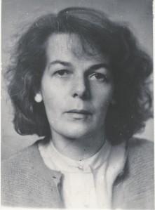 """Lembe Hiedel (1.IX 1926– 13.III 2004)  alustas tõlkimist 1955. aastal  (sh Dostojevski """"Ülestähendusi põranda alt"""" ja Gorki """"Põhjas""""), toimetajana tegutses ajakirjas Loomingu Raamatukogu kuni poliitilistel põhjustel vallandamiseni  (1958–1973),  seejärel oli vabakutseline tõlkija ja toimetaja (sh Dostojevski """"Idioot"""",  Gontšarovi """"Oblomov"""", Tolstoi """"Anna Karenina"""",  Kafka """"Protsess"""", Camus', Prišvini,  Solženitsõni jt teosed).  Anu Saluäär on meenutanud: """"On olnud neid, kellel Lembe toimetamislaad tekitas nõgestõve, ja neid, kes palju aastaid hiljem veendunult ja häbenemata väidavad, et just tema tegi omal ajal nendest tõlkija. Võib-olla on """"tema tehtud"""" koguni mõni praegune tuntud kirjanik. """""""