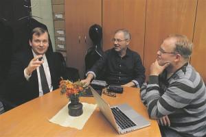 Huvi keelpilli õppida on väga suur ja mängutase hea, ent õpetamissoov väiksem, arutavad Kaido Välja, Mart Laas ja Ardo Västrik.