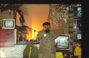 Binokulaarne tantsu-performance Riia teadlaste majas 16. IV 1987.