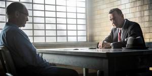 Rudolf Abeli (Mark Rylance) esimene kohtumine oma kaitsja James B. Donovaniga (Tom Hanks).