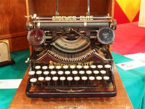 Kirjaniku vaba hõljumise seisund ei sõltu sellest, kas ta kirjutab klobiseva mehaanilise kirjutusmasina või iPadiga.