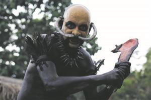 """Eli Rothi kannibalieepose ingliskeelne pealkiri """"Green Inferno"""" (""""Roheline põrgu"""") oli ka Rothi suure eeskuju Ruggero Deodato  1980. aasta inimsööjafilmi """"Kannibalide holokaust"""" töönimetus."""
