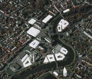 Maailmasõjajärgsed tühimikud on peamine mure allikas kesklinna üldplaneeringus, mis löönud linnarahva kahte vastasleeri. Põhiline tüliõun on kesklinna haljasalad, millest osa on ette nähtud taashoonestada.