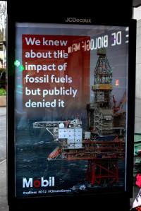 COP21 kõneluste eel ilmus Pariisi reklaampindadele üle 600 kunstiteose, mis parodeerivad suurfirmasid ja nende suhtumist kliimamuutustesse.