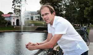 Karri Tiigisoon jääb Pärnusse ikka edasi ning saab vajadusel uut linnaarhitekti nõustada ja toetada.