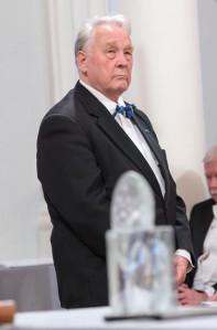 1. detsembril pälvis Arvo Valton Tartu ülikooli rahvusmõtte auhinna. 14. detsembril tähistab Valton 80. sünnipäeva.