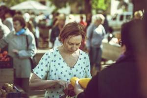 """Filmi nimitegelane (Tiina Mälberg) teeb """"Emas"""" veenva mängufilmidebüüdi."""