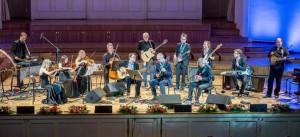 Tauno Aintsi uueks Kontserdisarjaks valminud lisalugu kaheksale solistile, vibrafonile ja kvartetile  pani kõik soolopillid koos kõlama.