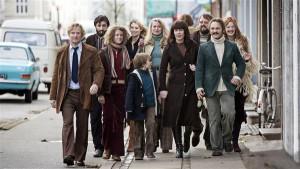 """Thomas Vinterberg võeti Taani filmikooli vastu kõigi aegade kõige noorema üliõpilasena, 19aastasena. """"Kommuun"""" on tema üheksas mängufilm."""