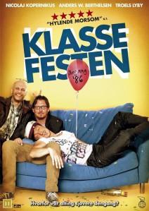 """Kui Taani ja Eesti """"Klassikokkutuleku"""" plakatid iseloomustavad ka peaaegu identseid filme, siis on soomlased muutnud nii filmi plakatit kui sisu."""