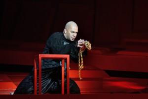 """Rauno Elp võitis muusikaauhinna nimiosa eest Estonia ooperis """"Cardillac""""."""