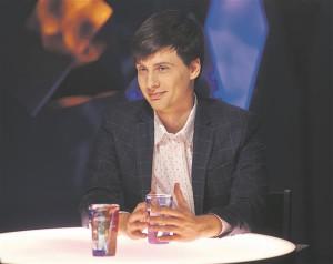 """Joonas Hellerma on leidnud ETV saates """"Plekktrumm"""" toimiva tasakaalu torkiva poleemilisuse ja empaatilise süvenemise vahel."""