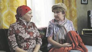 """Eesti seriaalide kullavaramu """"Õnne 13"""" on tänavu jõudnud 23. hooajani. Käsikirja sellele on läbi erinevate aastate kirjutanud Astrid Reinla, Kari Murutar, Teet Kallas, Urmas Lennuk ja Andra Teede."""