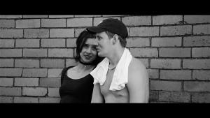 Allar (Hendrik Toompere jr) ei oska Mariaga (Klaudia Tiitsmaa) rääkida muust kui peopanemisest. Sisemist muutust Allaris filmi jooksul ei toimu. Või pärast kirgastavat lõpplahendust siiski?