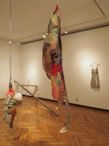 Eva Mustoneni teoste sündmustiku loovad muinasjutulaadse poeetikaga jutustused.