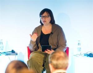 Meduza looja Galina Timtšenko inimõiguste aastakonverentsil Tallinnas 2014.