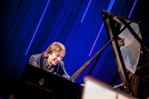 Jan Lundgreni ja tema lavapartnerite esituses kõlasidki Jan Johanssonile pühendatud kontserdil tema eeskujul jazztöötlused rootsi, ungari ja vene rahvaviiside motiividel.
