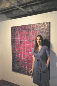 Marta Stratskase teoste koloriit on intensiivne ja valitud nõnda, et see kujutab roomajate ürgsust ning tabab mitmetahulist olemust: näeme india kollast, lillat, mürkrohelist, kuldset ja punast.
