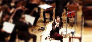 """Francis Poulenci mono-ooperis """"Inimhääl"""" on kolm tegelast: naine (sopran Nathalie Gaudefroy), telefon ja ääretu äng."""